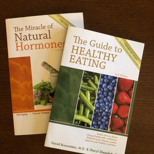 2/$20💥SALE💥Books:Healthy Eating/Miracle Hormones